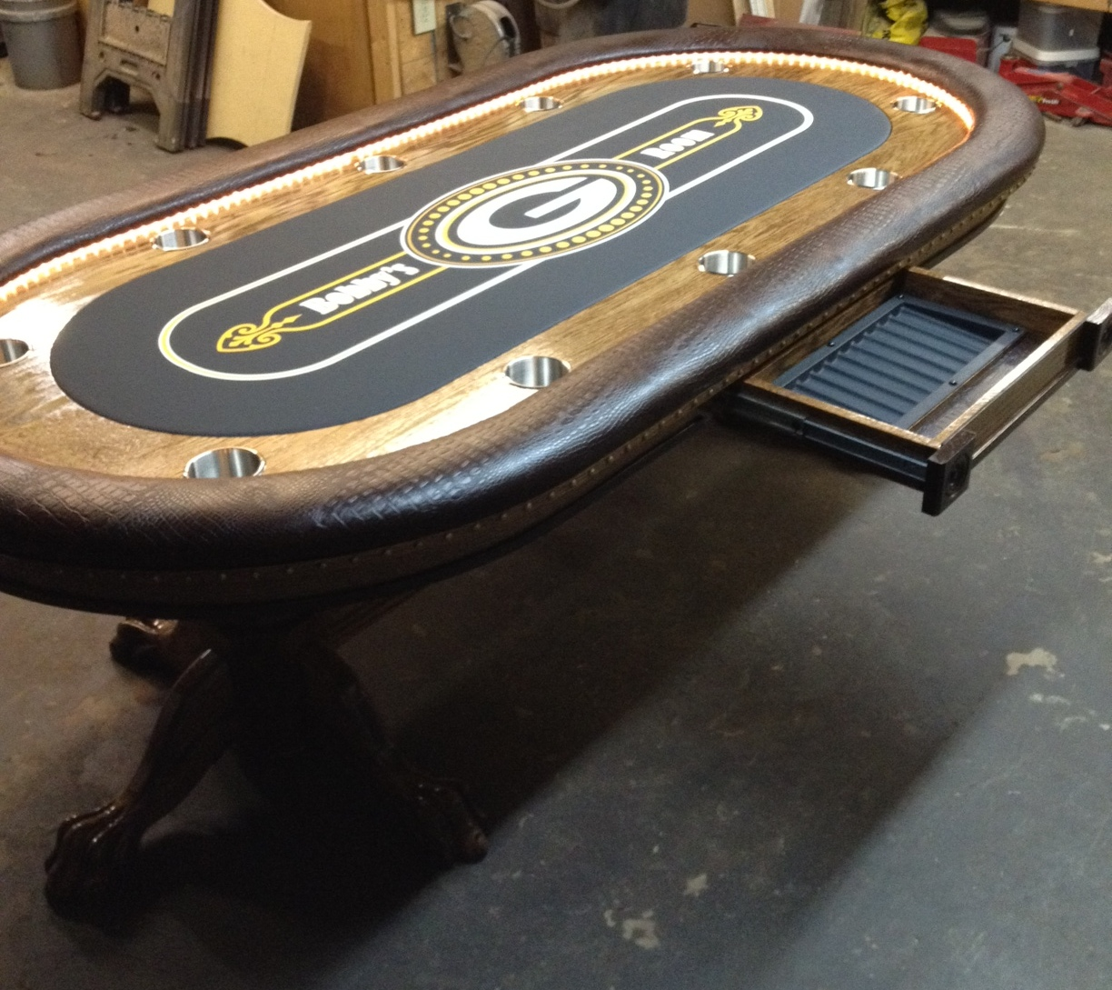 Custom poker tables texas support a roulettes pour pots de fleurs castorama